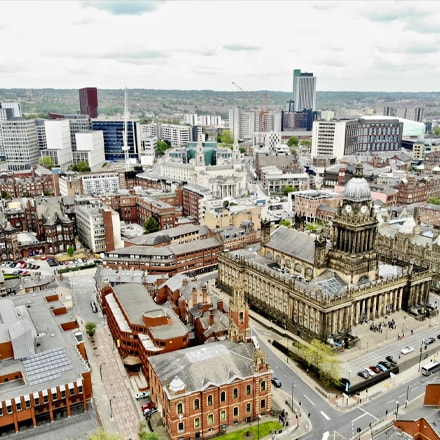 A picture of leeds with ATMs and Cashpoints near by